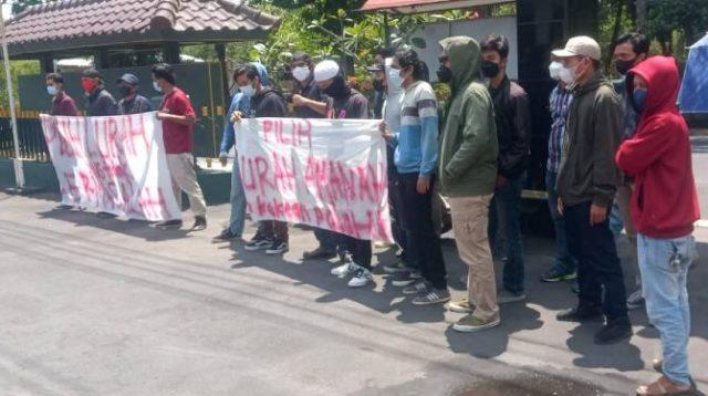 Demo pangkalan gas
